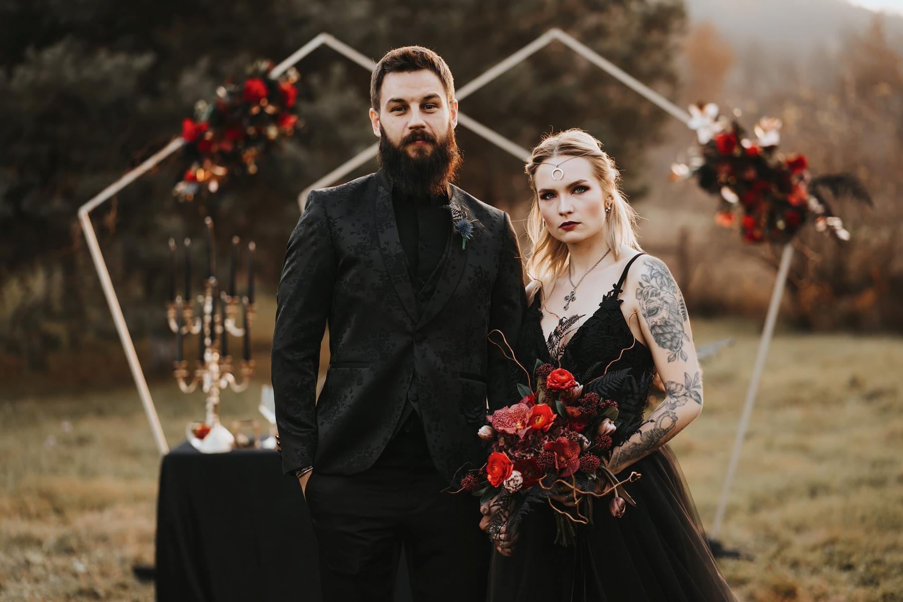dark wedding halloween rochie de mireasa neagra